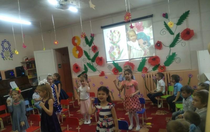 Танец-девочек-Модный-ребенок